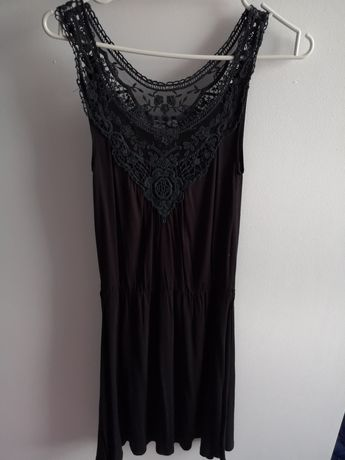 Sukienka czarna ażurowa góra