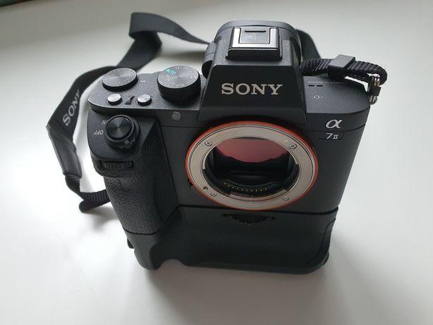 Sony A7 II pełna klatka, gwarancja, komplet, grip, 5 baterii