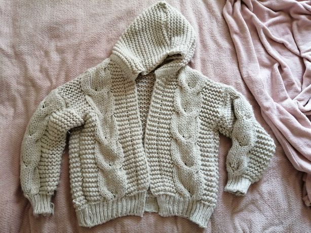 Pleciony sweterek