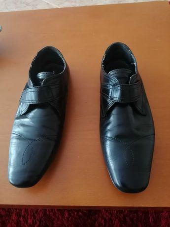 Sapatos em couro 41