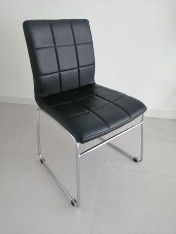 Krzesła z ekologicznej skóry Hammel
