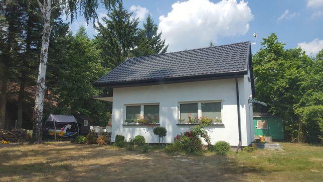 Dom nad jeziorem Piaseczno.