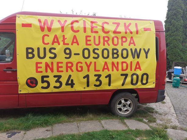 Wycieczki busem miła atmosfera imprezy okolicznościowe