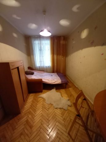 Файна кімната на В Великого для дівчини 2500 грн + КП частково
