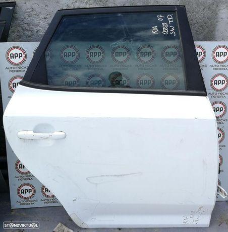 Porta traseira direita Kia Ceed de 2008 carrinha.