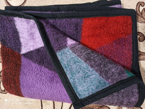 Одеяло плед 2х1.5м Очень тёплое. Хорошее состояние