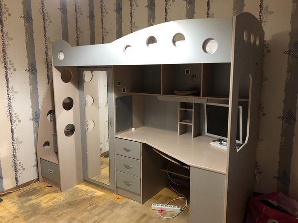 Продам детский гарнитур Jysk (кровать шкаф и стол)