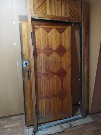 Продам металлическую входную дверь