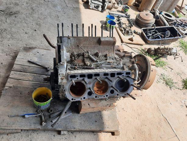 Блок двигуна ямз 236