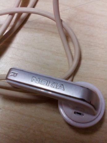 Auriculares Nokia.