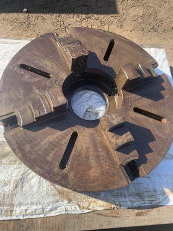 Партон токарный четырех кулачковый 800 диаметр
