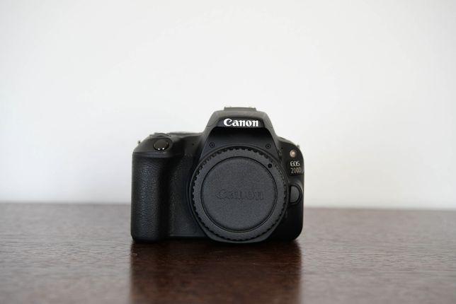 Canon 200D z obiektywami 40mm 2,8 + 10-18mm f4.5-5,6 + 55-250mm 4-5,