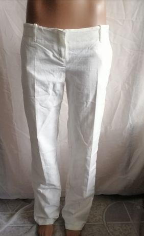 Прямые белые штаны