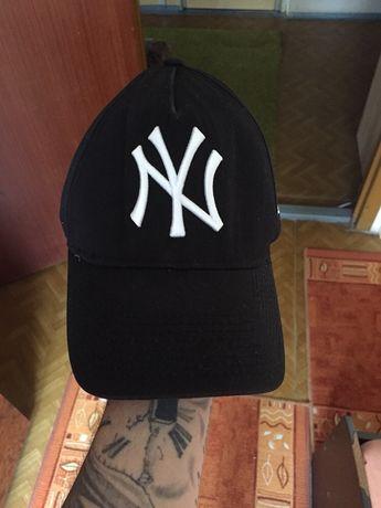 Продам кепку New York