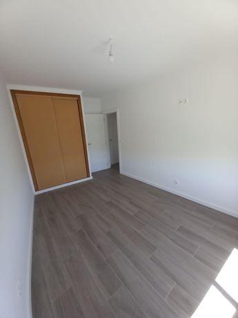 T3 Apartamento em Carnaxide - Arrenda-se