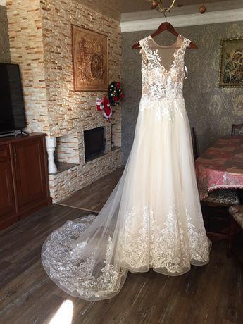 Весільна сукня торг