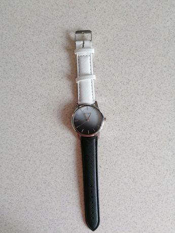 Zegarek damski nowy