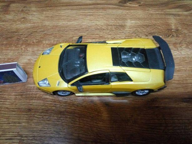Продам Burago 1/24 Lamborghini Murcielago LP670-4 SV
