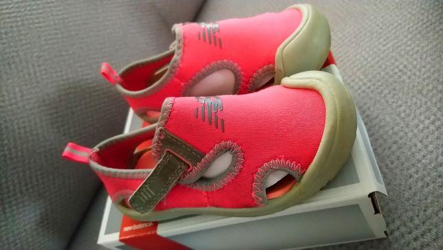 Sandały pianki New Balance różowe szare 23,5