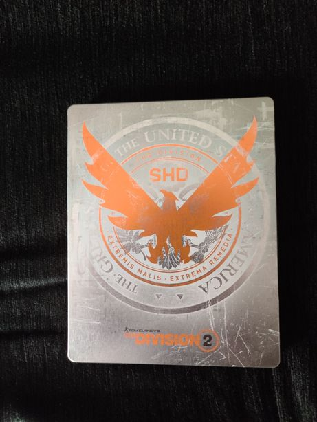Vendo Division 2 PS4 c steelbook