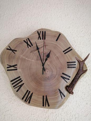 Zegar drewniany z porożem