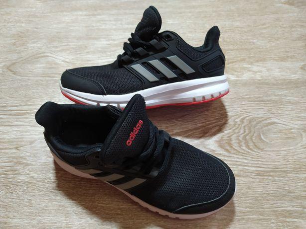 Кроссовки Adidas р. 33 стелька 21