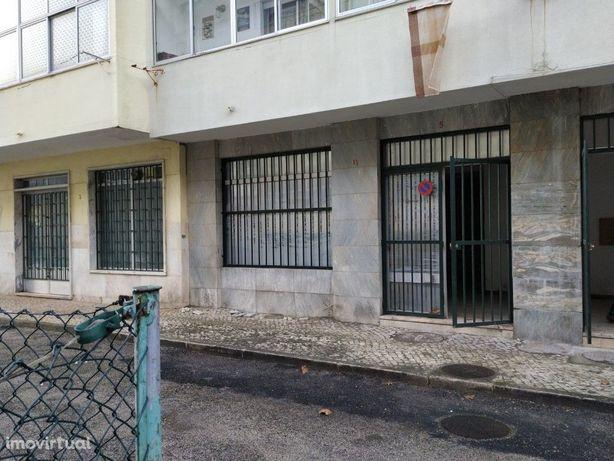 Vila Franca de Xira - Loja de Rua com 72m