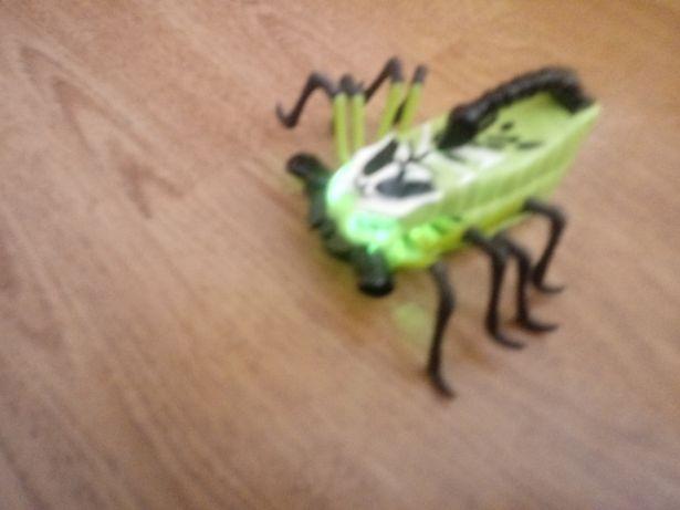 Skorpion interaktywny z Cobi