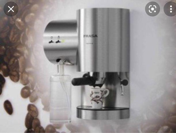 Maquina de cafe frasa