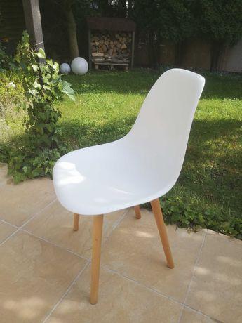 Krzesło w stylu skandynawskim - białe