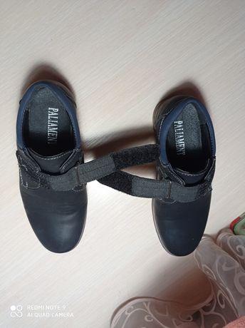 Детские туфли на мальчика 30 размер.