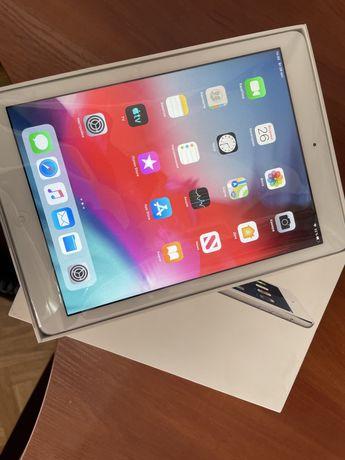 Продам Apple iPad Air 32gb Wifi Silver