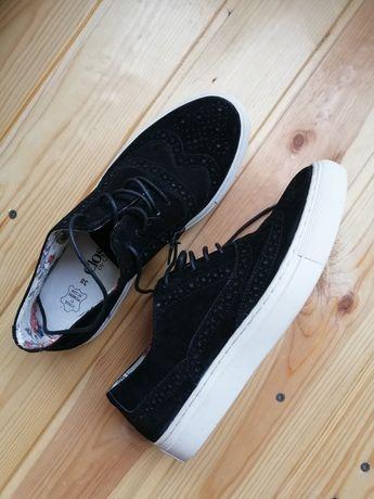 Женские замшевые туфли / кеды (как новые)