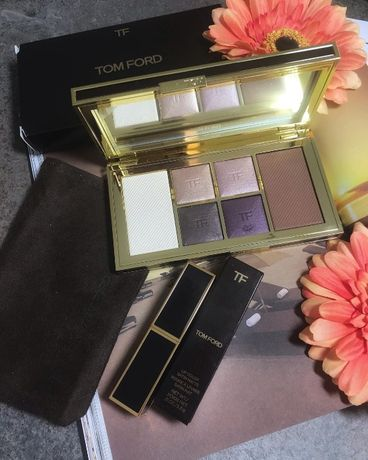 Paleta Tom Ford w odcieniu Moonlit Violet