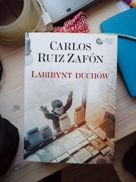 Sprzedam książkę Labirynt duchów Carlos Ruiz Zafon