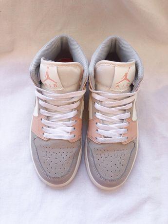Air Jordan 1 mid milan