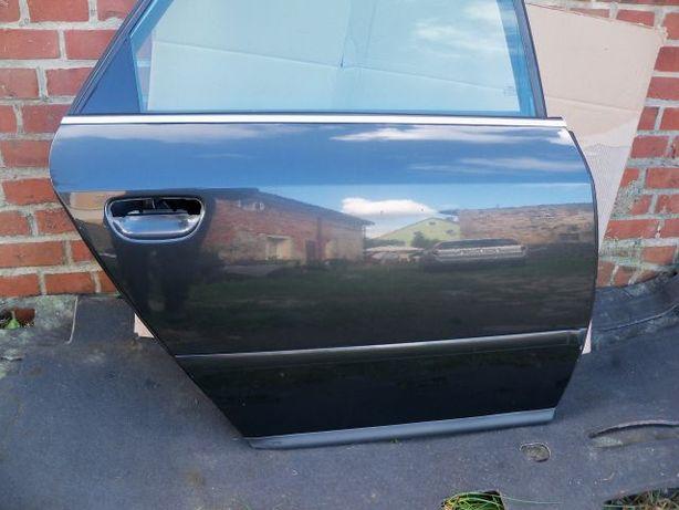 Audi A6 C5 Drzwi tylne prawe kolor czarny LZ9U
