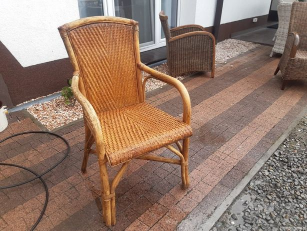 wygodne fotele ratanowe