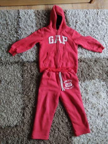 Теплый костюм подписан как gap,110-116 см