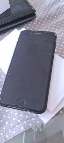 Telefon komórkowy iPhon 7