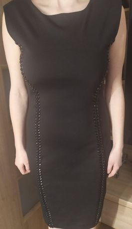 czarna sukienka top secret z ćwiekami