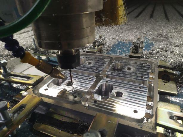 Frezowanie CNC/Grawerowanie/Tabliczki/Napisy/Kasetony