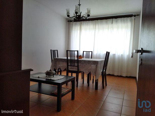 Apartamento - 77 m² - T2