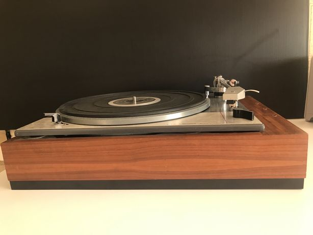 Gira discos Lenco 75