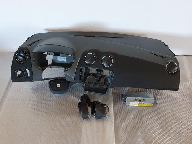 Deska konsola kokpit airbag pasy Seat Ibiza 6J IV