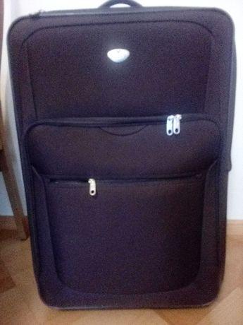 Duża solidna walizka Roncato