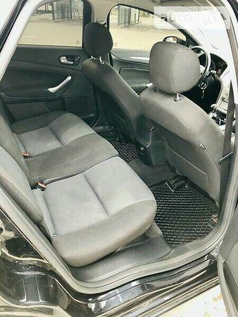 «Сидіння на авто»