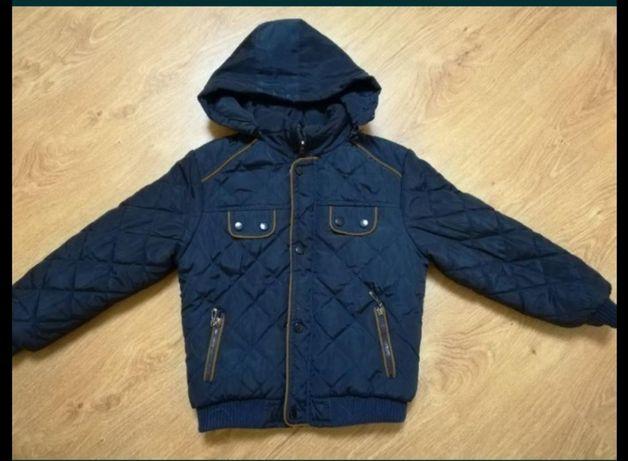 Зимняя куртка на мальчика на 8-9 лет. Цена 800 руб