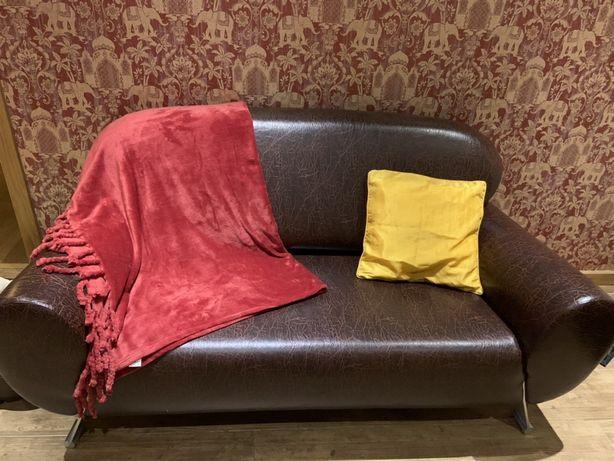 Sofa 3 lugares muito bem estimado