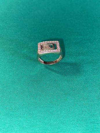 Кольцо/печатка с камнями женская из золото 585 проба